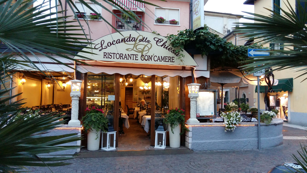 Gallery photos of the Locanda alla Chiesa restaurant and rents rooms